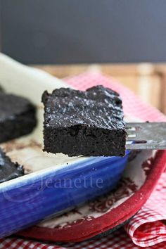 20 Sweet and Savory Quinoa Recipes on This Gal Cooks Healthy Desserts, Delicious Desserts, Yummy Food, Best Cake Recipes, Favorite Recipes, Caramel Recipes, Brownie Recipes, Fudge Brownies, Cheesecake Brownies
