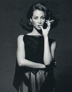 Christy e Carre - Vogue Italia (1992) Christy Turlington by Patrick Demarchelier