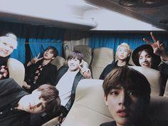 Bts Lockscreen, Foto Bts, Yoonmin, Wattpad, Boy Scouts, Camisa Bts, Taehyung Cute, Frases Bts, Boy Band