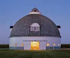 round barn in Pontiac, IL.  Bill's grandfather Jean  A. McCoy was working on this barn about the time he married Bill's grandmother Alice.