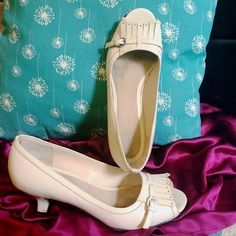 """AEROSOLES Cream Peep Toe Pumps Pre loved. Great condition. 2"""" heel. Genuine leather. Moccasin style top with silver hardware. Style: Drape May, Size 9M AEROSOLES Shoes Heels"""