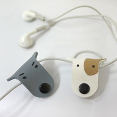 Doggie Earphone Organizer