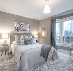Meghan Markle is moving with her new husband and is selling her Toronto apartment. Discover amazing photos of her former home. Gray Bedroom Walls, Master Bedroom, Grey Walls, Master Suite, Grey Bedrooms, Bedroom Artwork, Toronto Apartment, Suites, Trendy Bedroom