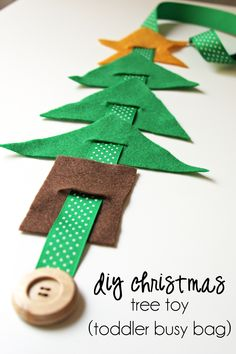 The decorations are up at my local shopping centre and I've been finding myself humming festive songs while leafing through my Nigella Christmas book. There's no denying it: 'tis the season. My friend Lupin is having a Christmas link-up so I'm joining in the fun with this little tutorial to …