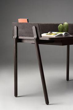 Ash desk Table Furniture, Cool Furniture, Furniture Design, Exterior Light Fixtures, Home Office Desks, Black Decor, Office Interiors, Porch Decorating, Design Inspiration