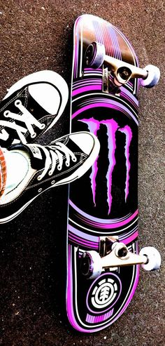 Download Sk8 Monster wallpaper by garciia26 - 89 - Free on ZEDGE™ now. Browse millions of popular convers Wallpapers and Ringtones on Zedge and personalize your phone to suit you. Browse our content now and free your phone Painted Skateboard, Skateboard Deck Art, Skateboard Design, Skateboard Girl, Bebidas Energéticas Monster, Converse Wallpaper, Natur Tattoo Arm, Monster Pictures, Monster Energy Girls