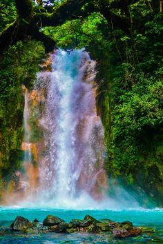 UNO DE LOS DESTINOS MÁS VISITADOS DE MI LINDA #COSTA #RICA #RÍO #CELESTE QUE…