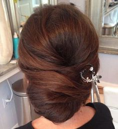 Wedding Hairstyles For Long Hair Chignon Updo For Long Hair - Mom Hairstyles, Haircuts For Fine Hair, Wedding Hairstyles, Hairdo Wedding, Trendy Hairstyles, Hairstyle Ideas, Blonde Updo, Mother Of The Bride Hairdos, Mother Of The Bride Make Up