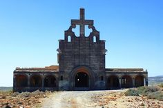 Campamento militar abandonado, Iglesia de San Lázaro. Los Abades, Arico. Tenerife. Islas Canarias. Spain.  [By Valentín Enrique].