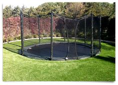 Great things to think about as I plan to make our trampoline and in ground feature. Underground Trampoline, Garden Trampoline, Sunken Trampoline, In Ground Trampoline, Best Trampoline, Trampoline Ideas, Trampolines, Modern Backyard, Backyard For Kids