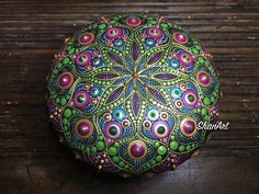 Acrylic Mandala on wooden pebble - Mandala rock - Mandala stone Mandala Painting, Dot Painting, Mandala Rocks, Rock Design, Love People, Painted Rocks, Fen Shui, Dots, Bella