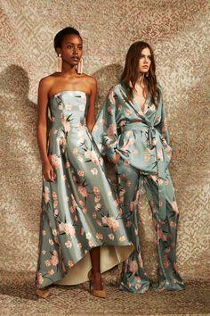 The complete Sachin & Babi Pre-Fall 2019 fashion show now on Vogue Runway. Runway Fashion, Boho Fashion, High Fashion, Fashion Show, Autumn Fashion, Fashion Dresses, Fashion Looks, Womens Fashion, Fashion Tips