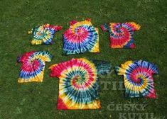 Batika – spirály na trika Picnic Blanket, Outdoor Blanket, Handmade, Diy, Hand Made, Bricolage, Do It Yourself, Homemade, Diys