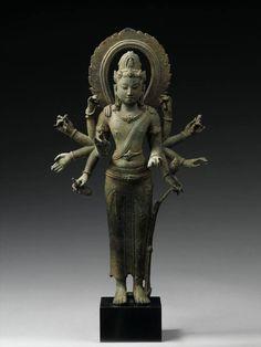 Bodhisattva Avalokiteshvara | 9th century | Western Indonesia | Lent by Musée National des Arts Asiatiques–Guimet, Paris