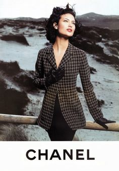 Shalom Harlow for Chanel Fall 1995