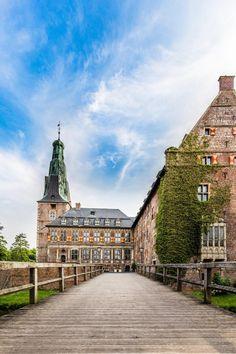 A Preppy Climber | liebesdeutschland:   Schloss Raesfeld  Raesfeld...