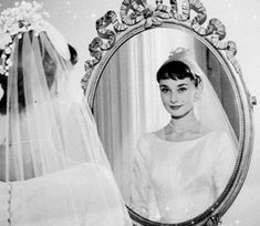 Everything you wanted - needed - to know about Audrey Hepburn. From her films to her personal life, Audrey Hepburn Facts has it all. Audrey Hepburn Outfit, Audrey Hepburn Mode, Audrey Hepburn Wedding Dress, Audrey Hepburn Ballet, Viejo Hollywood, Old Hollywood, Glamour, Fair Lady, Italian Girls