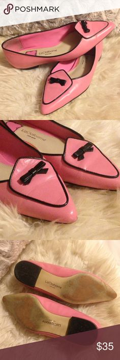 ✨Liz Claiborne Leather Olivia Flats Loafers✨ I cannot express the cuteness contained in these shoes! Genuine Leather bubblegum pink and black upper. Gently worn. Slight scuff marks on toe tip (see pic), not noticeable when worn. Size 6 Liz Claiborne Shoes Flats & Loafers
