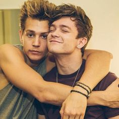 Okay I'm a Jonnor Shipper too. Also you can tell who is the dominant one.