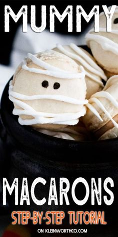 Mummy French Macarons with Maple Cinnamon Filling are an adorable and delicious treat to serve for Halloween packed with fall flavors! Halloween Desserts, Holiday Desserts, Holiday Baking, Halloween Treats, Holiday Recipes, Holiday Cakes, Spooky Halloween, Holiday Ideas, Halloween Party