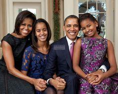 President Barack Obama & First Lady Michelle With Daughters | Etsy Barack Obama Family, Malia Obama, Obamas Family, Obama President, Obama Family Pictures, Obama Photos, Presidente Obama, Malia And Sasha, Michelle And Barack Obama