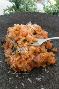 Our Thermomix Bacon & Tomato Risotto is the perfect family dinner. quick, easy and totally delicious! Tomato Risotto, Chicken Risotto, Risotto Recipes, Gnocchi Recipes, Healthy Family Dinners, Main Meals, Family Meals, Family Family, Risotto