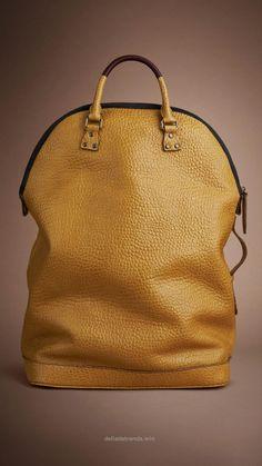 ravishing affordable handbags 2017 spring fashion bags Source by feliciavanoostv Fashion outfits Burberry Handbags, Prada Handbags, Fashion Handbags, Fashion Bags, Burberry Bags, Burberry Outlet, Burberry Scarf, Fashion Jewelry, Fashion Purses