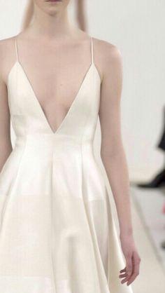 Valentino White Collection #runway, fashion - #white