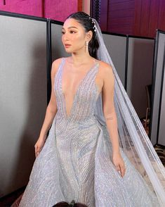 Kapamilya stars Nadine Lustre and Arci Muñoz mastered the art of sexy sophistication as they donned dreamy dresses for a bridal fashion show. Lady Luster, Bohemian Beach Wedding, Filipina Actress, Nadine Lustre, Jadine, Prom Dresses, Formal Dresses, Girl Crushes, Bridal Style