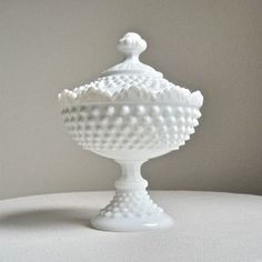 I love this milk glass bowl... My Nanna had a collection of this and would love have my own.