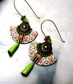 boucles d'oreilles fait main metal et tissus collection les bronzes antiques vert orange mandala rouge vert