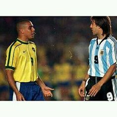 Batistuta y Ronaldo.  Con cual se queda? Cual le gusta más?