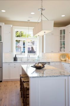 Bungalow Style Home= exactly what I want for the kitchen cabinets.  Molding is simple, classy.