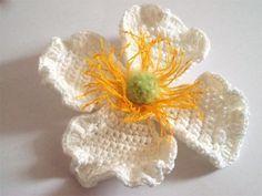 Clematis Montana Flower - free crochet pattern