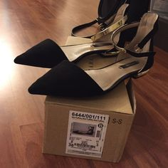 Zara pointed toe flats sz 37 Zara pointed black toe flats with gold ankle straps sz 37 (6.5). Shows signs of wear as pictured in picture 3 and scuffs in back. Price reflects condition. Zara Shoes Flats & Loafers