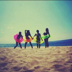I need pics with my bff's this summer!