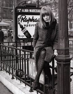 Marianne Faithfull, photo Roger Kasparian 1965 // bangs, long bob, furry scarf, textured coat & lace tights #vintage #style #fashion #hair #beauty