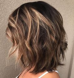 Medium Layered Brunette Hairstyle If you liked this … - Schulterlange Haare Ideen Medium Length Hair Cuts With Layers, Medium Hair Cuts, Medium Hair Styles For Women With Layers, Cuts For Thick Hair, Medium Length Layered Bob, Medium Short Hair, Medium Brown, Cheveux Ternes, Haircut For Thick Hair