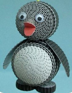 Mini pinguïn is een knutselwerkje uit de categorie Knippen en plakken