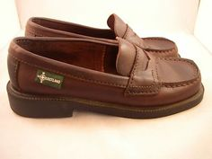 Eastland penny loafers in Women's Size 5 1/2. Classic style with Eastland quality. Great price!