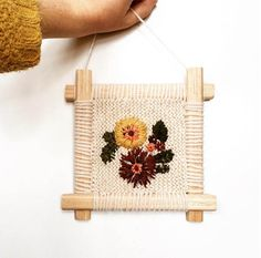 Fleur Lyon - Embroidered flowers on hand-knitted background! Silk Ribbon Embroidery, Embroidery Patterns, Wool Art, Cross Stitch Borders, Weaving Projects, Cozy Sweaters, Embroidered Flowers, Handicraft, Fiber Art