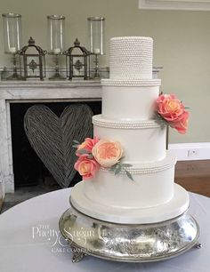 Sugar pearls with David Austin and Miss Piggy roses wedding cake