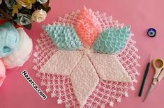 Crochet Sunflower, Crochet Toys, Fiber, Stitches, Decor, New Ideas, Cross Stitch Geometric, Dots, Manualidades