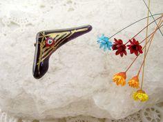 Brosa sticla fuziunata (15 LEI la lycurycy18.breslo.ro) Painted Shoes, Enamel, Handmade, Accessories, Fashion, Moda, Vitreous Enamel, Hand Made, Fashion Styles