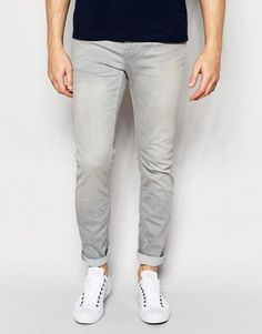 Discover men's jeans from ASOS. Hundreds of different jean styles, including biker jeans, straight leg jeans, acid wash jeans, bootcut and colored denim.Shop today at ASOS. Jeans Slim, Denim Jeans Men, Denim Skinny Jeans, Jean Slim Gris, Asos, Acid Wash Jeans, Biker Jeans, Colored Denim, Jeans Style