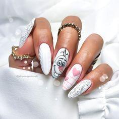 Nail art Christmas - the festive spirit on the nails. Over 70 creative ideas and tutorials - My Nails Best Acrylic Nails, Acrylic Nail Designs, Cute Nails, Pretty Nails, Nagellack Design, Xmas Nails, Valentine Nails, Disney Nails, Disney Christmas Nails