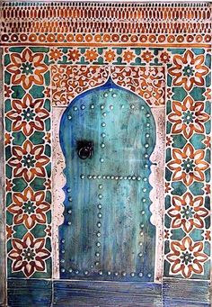 Could it be any prettier?  Moroccan #door with tile surround. I want this for my living room!