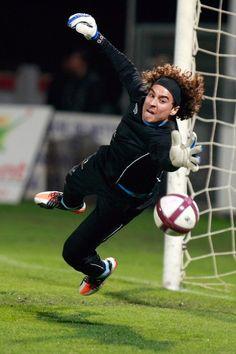Guillermo Ochoa warm up (Ajaccio)