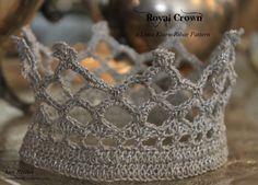 "ROYAL CROWN a Lotta Kiuru-Ribar Pattern [gallery columns=""2″ size=""medium"" ids=""4911,4912″] This is a free crochet crown pattern called ""ROYAL"" desig…"