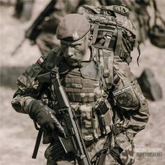 """Polish Teritorial Defence Army soldier on photo we can see the New polish assault rifle the """"MSBS Grot"""" Military Armor, Military Gear, Military History, Military Special Forces, Army Wallpaper, Military Pictures, Special Ops, War Photography, Military Police"""